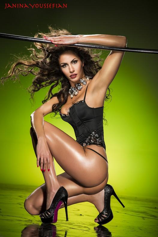 Janina Youssefian Sexy Fotos
