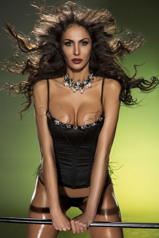 Janina Youssefian nackt bilder
