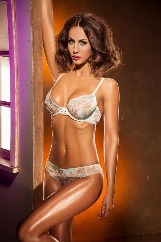 Janina Youssefian nude